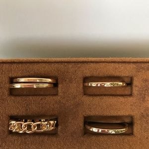 Jewelry - Rings gold tone set of 5